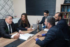 איך להפוך לעורך דין מומחה בתחום הסיעוד?